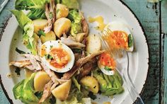 New potato, smoked mackerel and boiled egg salad recipe Easy Healthy Recipes, Lunch Recipes, Salad Recipes, Drink Recipes, Healthy Foods, Healthy Lunches For Work, Work Meals, Healthy Food Activities For Preschool, Preschool Crafts