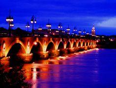 Puente sobre el río Garona (Burdeos, Francia)