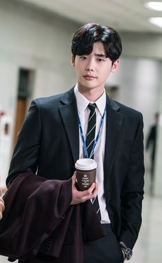 Lee jong suk ❤❤ while you were sleeping drama ^^ Lee Jung Suk Wallpaper, Lee Jong Suk Cute, Kang Chul, Handsome Korean Actors, Han Hyo Joo, Lee Young, Kdrama Actors, Poses, Asian Actors