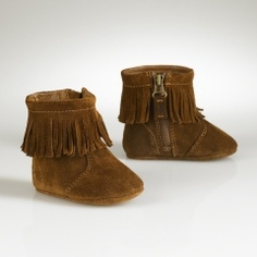 baby moccasin boots! Must have for Ali this winter