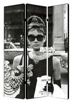 Audrey Hepburn is looking into the window of the famous jewelry store in the iconic opening scene of Breakfast at Tiffany's in this folding screen room divider. Tiffany Room, Azul Tiffany, Tiffany Blue, Folding Screen Room Divider, Folding Screens, Room Dividers, Audrey Hepburn Decor, Chinese Room Divider, Jewelry Store Design