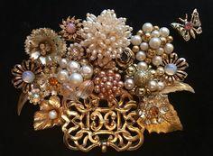 VINTAGE JEWELRY FRAMED ART, NOT CHRISTMAS TREE, CREAM, NEUTRALS FLOWER ARRANGE | Jewelry & Watches, Vintage & Antique Jewelry, Costume | eBay!