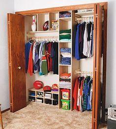 DIY closet organizatiin with tips and tutorials. ... great resource.