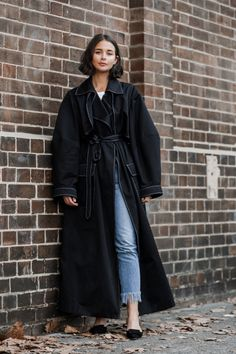 2019 winter coat, the longer the more fashionable, this winter long coat is very popular, whether it is with pants or skirts look good. – Page 44 of 62 – Winter Coat Fashion Week, Look Fashion, Fashion Outfits, Womens Fashion, Fashion Design, Fashion 2017, Long Winter Coats, Long Coats, Manolo Blahnik Heels