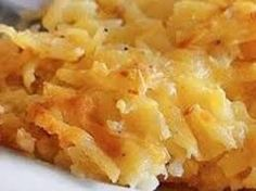 Cracker Barrel's Hash Brown Casserole (Could use at least half as much butter) Cracker Barrel Hash Brown Casserole Recipe, Cracker Barrel Recipes, Cracker Barrel Hashbrown Casserole, Potato Dishes, Food Dishes, Side Dishes, Breakfast Dishes, Breakfast Recipes, Breakfast Casserole