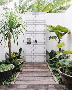 This is the kind of shower that makes us want to go au naturel every day…