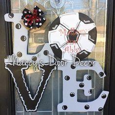 LOVE Soccer door hanger by NancysDoorDecor on Etsy Soccer Banquet, Soccer Party, Wooden Door Hangers, Wooden Doors, Wire Hangers, Soccer Wreath, Baseball Wreaths, Baseball Mom, Volleyball