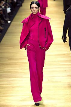 I'm fuschia dreaming - this monotone pantsuit Guy Laroche debuted @ParisFashionWeek2013 is absolute perfection