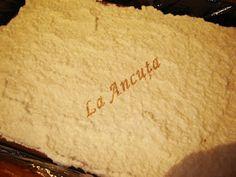 La Ancuţa: Prajitura cu ciocolata si nuca de cocos How To Plan, Cake, Food, Pie Cake, Pie, Cakes, Essen, Yemek, Meals