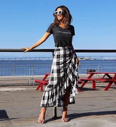 Super Ideas for skirt fashion outfits classy casual Glam Dresses, Trendy Dresses, Nice Dresses, Casual Dresses, Elegant Dresses, Elegant Outfit, Fashion Mode, Skirt Fashion, Trendy Fashion