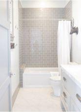 Small Bathroom Remodel with Bathtub Ideas (56)