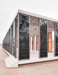 photovoltaic walls - pavilion by Ortner + Ortner (Potsdam, Germany)