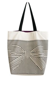 Optical illusion black and white bow bag