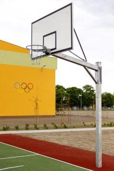 Konstrukcja do koszykówki zewnętrzna jednosłupowa. Heavy duty one post construction, extension 1,6m Wind Turbine, Basketball Court, Sports, Hs Sports, Sport