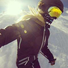 Wind buff off the steeps today was great! @Gordana Radovanovic White @Mammoth…