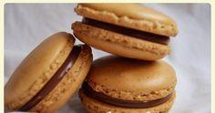 Macarons de café rellenos de crema de chocolate y cointreau