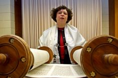 I DID STUDY TORAH WITH RABBIS'S COMMENTS!   BUENISIMO!   DELICIOUS!