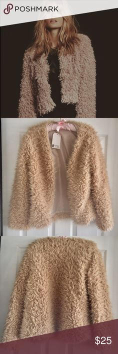 Vintage Style Shearling Faux Fur Jacket Bust 34-35 Hips 34-36. Foreign sizing XL - fits more like Small/Medium American Size. Jackets & Coats