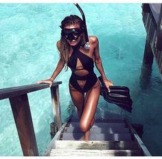 girl, beach, and summer image Summer Feeling, Summer Vibes, Tatjana Catic, The Bikini, Beach Bum, Girl Beach, Swimsuits, Swimwear, Summer Of Love