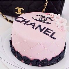 Would love this to be my birthday cake!