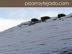 Remate de cumbrera en tejado de pizarra natural. #pizarra #pizarranatural #naturalslate #pizarras #ardoise #slate
