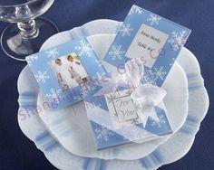 Snowflake Glass Photo Coasters        #coasters #creatives #DIY  #轰趴派对 #新娘 #decor #bridal #beterwedding 松江婚礼回礼批发  http://item.taobao.com/item.htm?id=22037367511