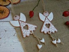 New Pics clay pottery decoration Ideas Produktsuche: Keramik Engel / Waren Clay Projects, Clay Crafts, Diy And Crafts, Christmas Angels, Christmas Ornaments, Pottery Angels, Ceramic Christmas Decorations, Pottery Store, Polymer Clay Christmas