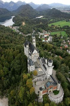 France 2, Neuschwanstein Castle, Paris Match, Voyage Europe, Bavaria Germany, 7 Year Olds, Conte, No One Loves Me, Monuments