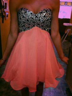 I want this dress so bad!