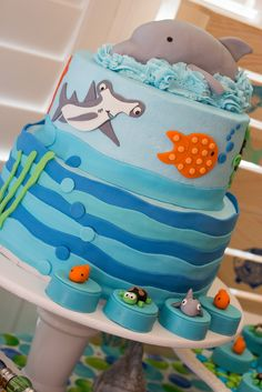 Sea Life Cake for Great Gatherings {based on artwork from Lauren McKinsey}
