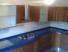Le nostre realizzazione nel campo dell'arredamento moderno e classico   ARREDOMANIA CUCINA BUTTERFLY CON TOP IN QUARZO BLU ROVAGNATE
