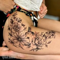 Thigh Sleeve Tattoo, Thigh Piece Tattoos, Body Tattoos, Female Hip Tattoos, Side Thigh Tattoos Women, Tatoos, Flower Leg Tattoos, Floral Thigh Tattoos, Flower Tattoo Shoulder