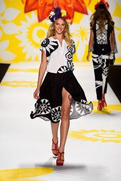 83072114a1a29 280 Best Desigual images   Cute dresses, Hands, Short dresses