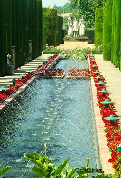 Gardens of the Alcazar of the Christian Kings, Cordoba, Spain قرطبة إسبانيا Vacation Places, Places To Travel, Places To Visit, Ibiza Travel, Spain Travel, Alcazar Seville, Destinations, Andalucia Spain, Seville Spain