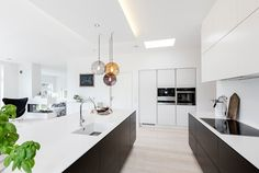 Modern single-storey residence located in Denmark, designed by Skanlux. Residential Interior Design, Interior Architecture, Kitchen Interior, Interior Inspiration, Home Kitchens, Kitchen Dining, Building A House, Modern Design, House Design