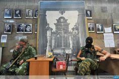 pro-russian fighters Donetsk Ukraine