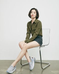 Song Hye Kyo Brings the Youthful Sporty Vibe to New Sneaker CF Sitting Pose Reference, Female Pose Reference, Pose Reference Photo, Human Reference, Drawing Reference Poses, Drawing Poses, Drawing Tips, Song Hye Kyo Style, Sitting Poses