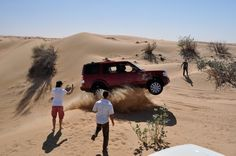 flying #LandRover #Discovery / #LR4