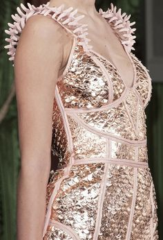 Oscar Carvallo Couture S/S 2013 Runway Details love love the lines
