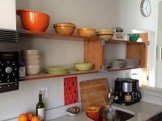 Minimal, open kitchen cabinets