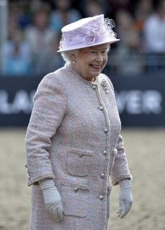 Queen Elizabeth, in pink for the final day at the horse show, seemed to have enjoyed being surrounded by her family for the past few days. 17 May 2015 Hm The Queen, Her Majesty The Queen, Save The Queen, Queen B, Royal Monarchy, British Monarchy, Queen And Prince Phillip, Prince Philip, Prince Harry