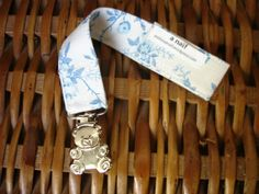 sweet blue roses pacifier clip / prendedor de chupeta by ANaif, €4.00
