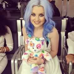 Find images and videos about little mix, perrie edwards and perrie on We Heart It - the app to get lost in what you love. Jesy Nelson, Perrie Edwards, Little Mix Instagram, Dye My Hair, Shay Mitchell, Sonam Kapoor, Girl Bands, Vanessa Hudgens, Blue Hair