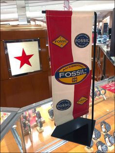 Fossil Branded Banner At Macys Main Wrist Watches, Visual Merchandising, Logo Branding, Banners, Fossil, Retail, Fabric, Watches, Tejido