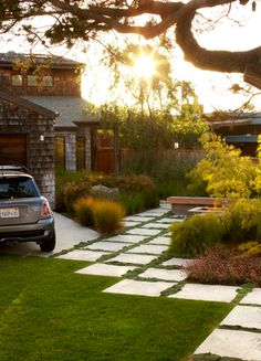 Interesting use of oversize pavers in place of a traditional lawn. Modern Landscaping, Backyard Landscaping, Backyard Ideas, Grass Alternative, No Grass Backyard, Yard Design, Driveway Design, Traditional Landscape, Garden Inspiration