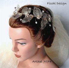 Hochzeit Braut Haarschmuck Diadem Blumenranke von FischlDesign, €49.00