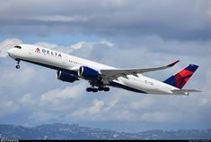Airline: Delta Air Lines Registration: Aircraft Variant: Airbus Location: Los Angeles International Airport Boeing Aircraft, Boeing 747 200, Domestic Airlines, Airplane Art, Air Lines, Civil Aviation, Commercial Aircraft, Flight Deck, Air Show