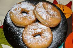O donut, rosquinha ou argola é um pequeno bolo em forma de argola.