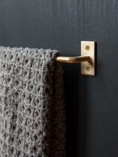 Metal Towel Bar from rikumo
