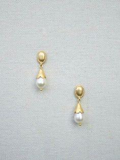 Jewelry Design Earrings, Gold Earrings Designs, Necklace Designs, Pearl Jewelry, Gold Jewelry, Beaded Jewelry, Gold Ring Designs, Gold Bangles Design, Gold Jewellery Design